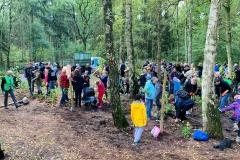 Baumpflanzaktion-zum-Einheitsbuddeln-Citizens-Forests
